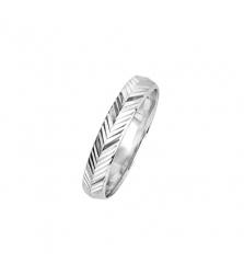 Кольцо с алмазными гранями